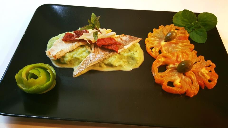 Filetti di ombrina e sogliola su salsa di peperone, menta e lime