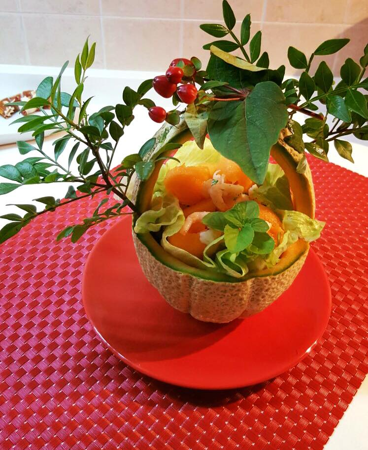 """Insalata di melone e gamberetti in cestino """"nature"""""""