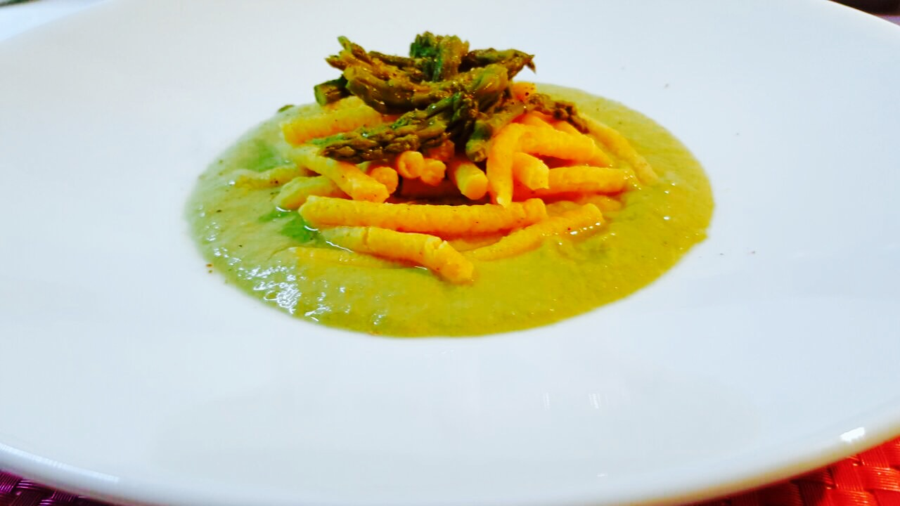 passatelli su crema di asparagi verdi