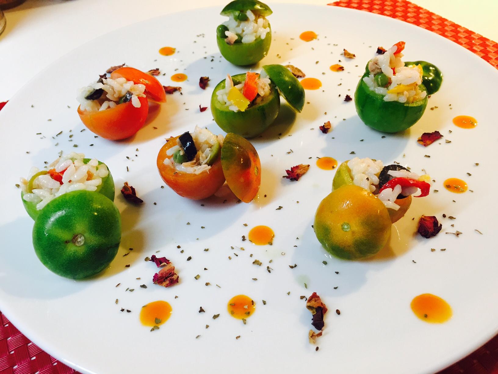 Pomodorini ripieni di insalata di riso2