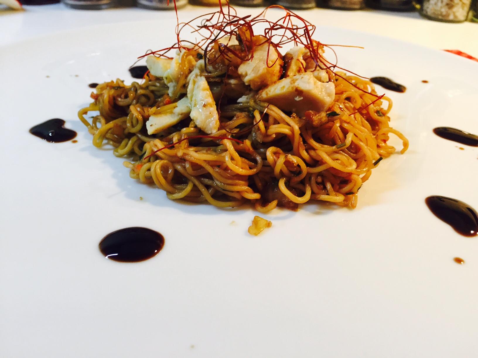 Noodles con verdure e pollo 1