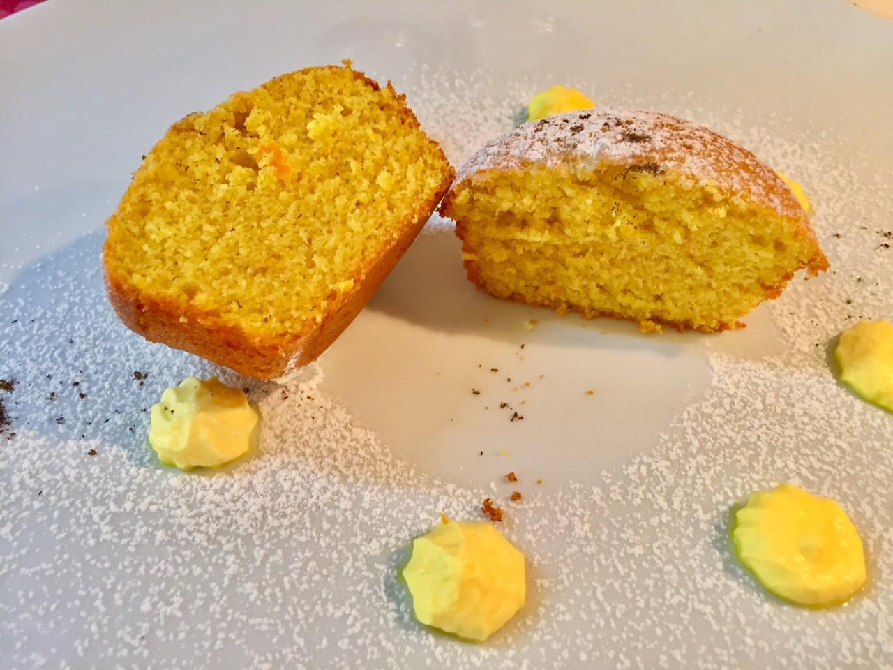 Muffin agrumi e zafferano aperti