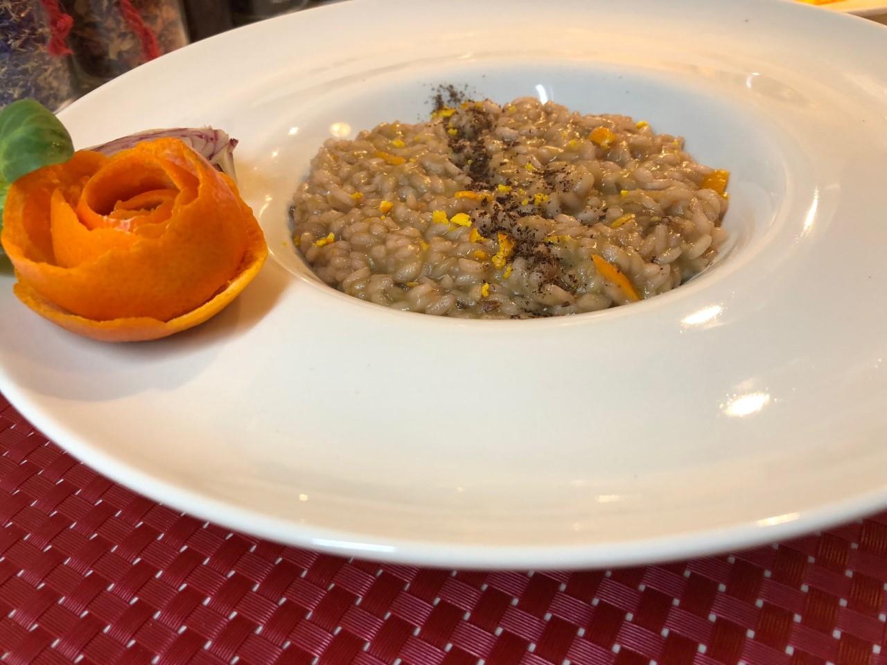 Risotto senza lattosio all'arancia e radicchio di Treviso