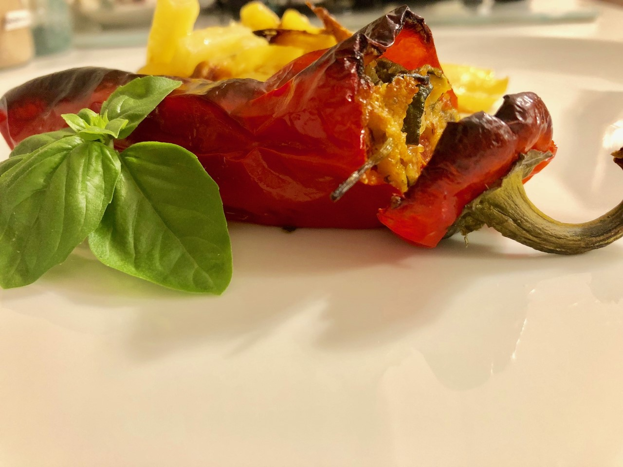 Peperoni friggitelli ripieni di verdure