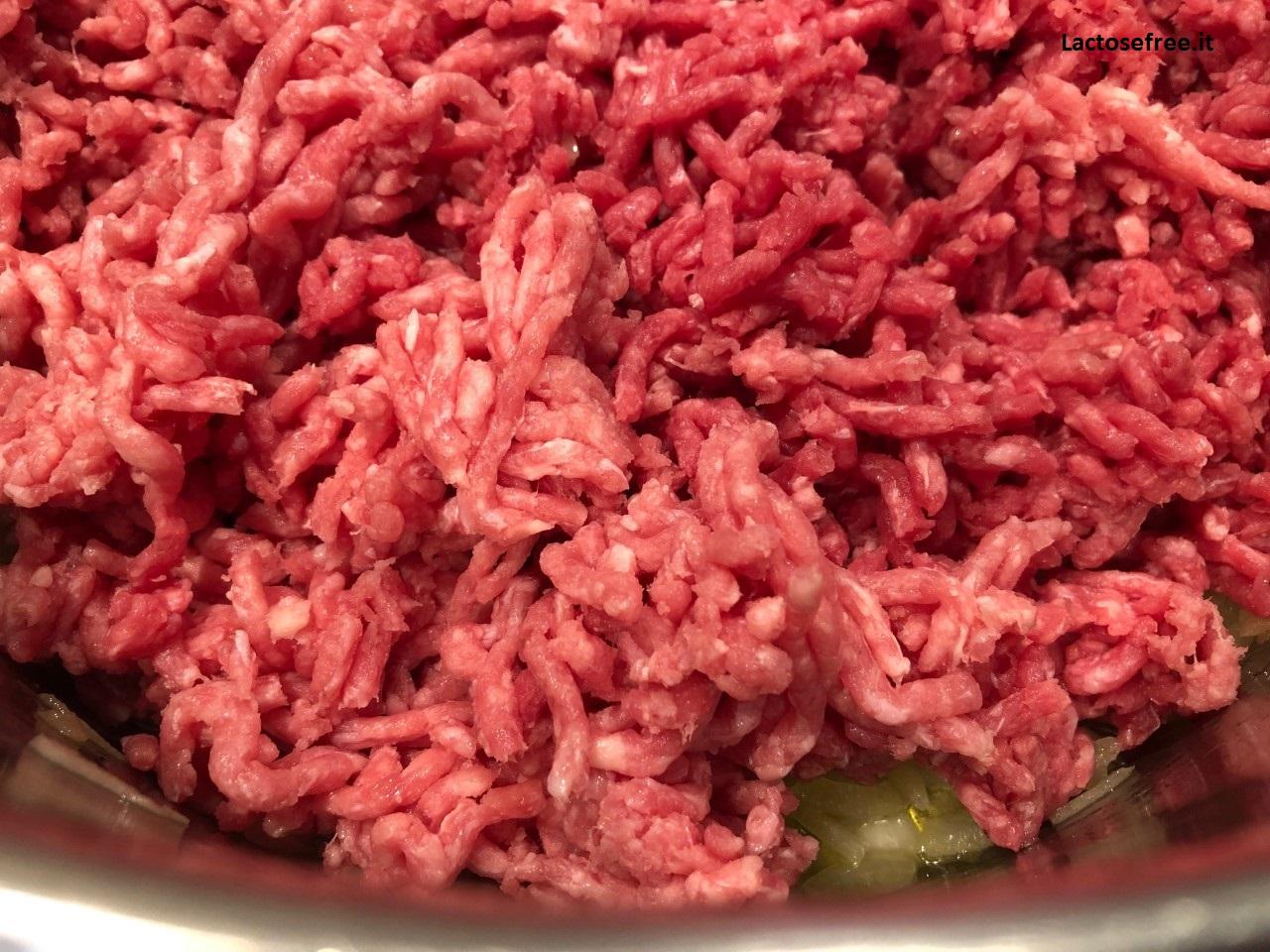 Unire la carne macinata