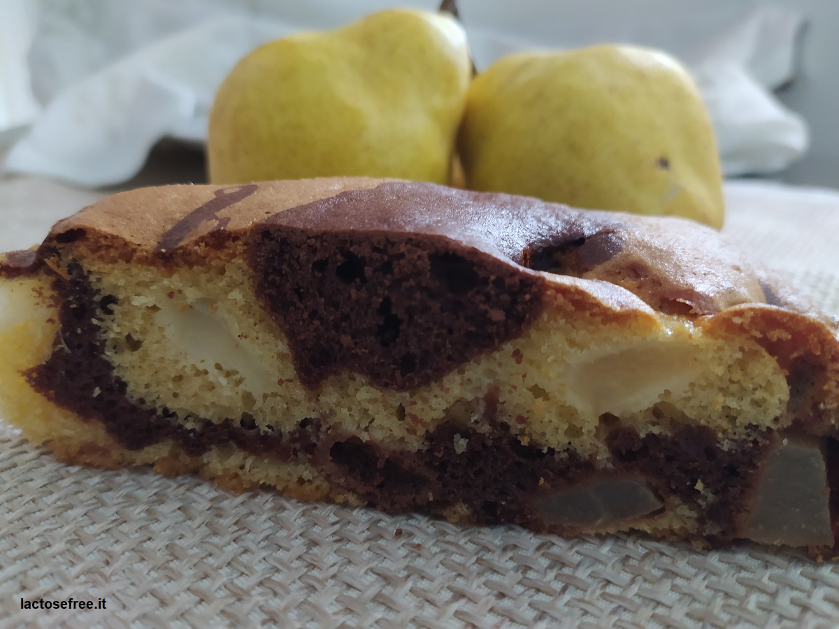 torta alle pere e al cioccolato senza lattosio